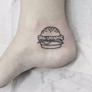 Tattoo por Mani Schwieger! #ManiScwieger #Hamburguer #burger #burgerlove #hamburger