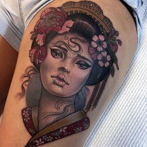 An breathtaking lady head done up like a geisha by Hannah Flowers (IG—hannahflowers_tattoos). #geisha #HannahFlowers #neotraditional #painterly