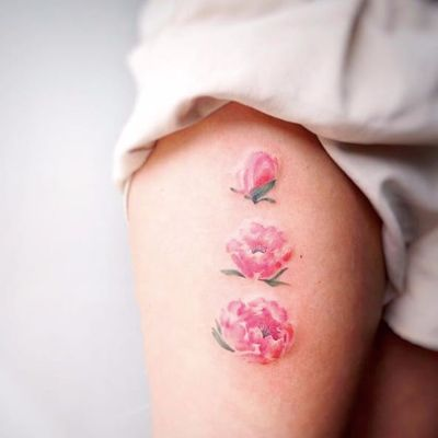 Floral tattoo by G. NO #flower #flowers #floral #pink #fineline #minimalist #minimalism #minimalistic #gnotattoo #watercolor #GNO