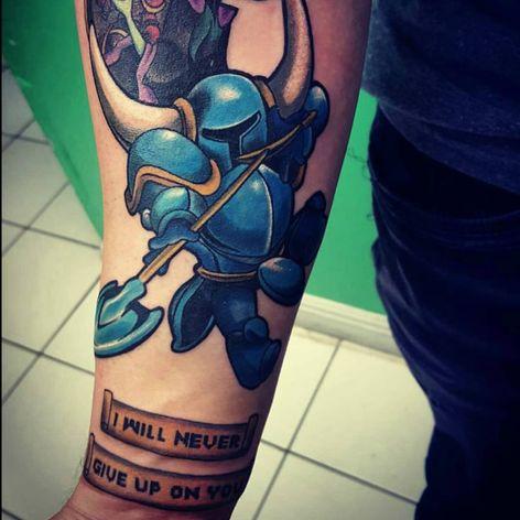 A portrait of Shovel Knight by Mitz (IG—mitz_tattoos). #Mitz #ShovelKnight