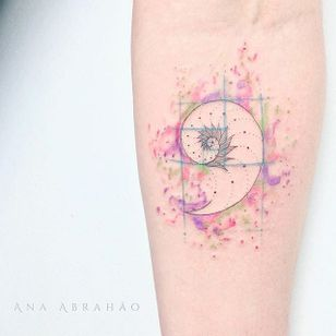 Fine line tattoo by Ana Abrahão. #AnaAbrahao #fineline #subtle #pastel #goldenratio #watercolor