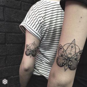 Geometric blackwork butterfly tattoo #allantattooer #butterfly #blackwork #geometric #fineline #ornaments