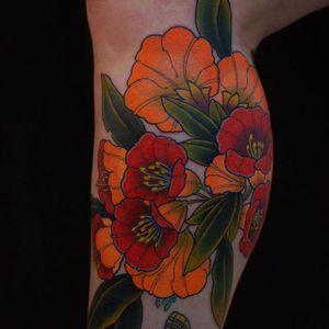 Orange Blooms by Artemy Neumoin (via IG-ishpiricatattoo) #floral #vibrant #color #irezumi #flora #ArtemyNeumoin
