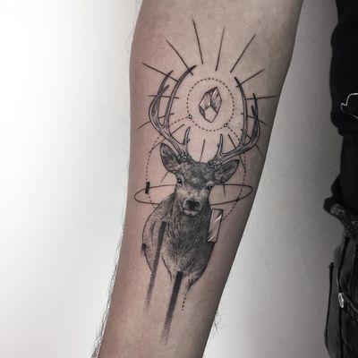 Wild deer tattoo by Erensu Ekmekciler #erensuekmekciler #blackandgrey #whiteink #linework #fineline #dotwork #abstract #shapes #realism #realistic #antlers #deer #crystal #light #nature #animal #tattoooftheday