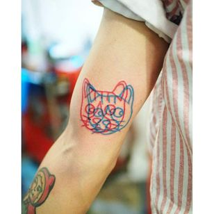 Cat anaglyph tattoo by Marcus Yuen. #MarcusYuen #anaglyph #3d #cat