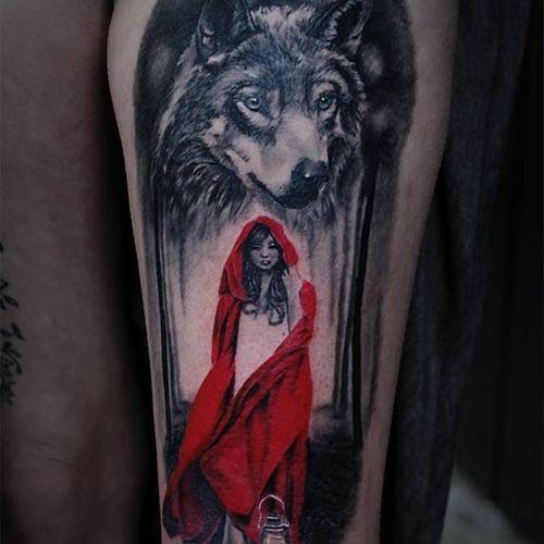 Tattoo by Angélique Grimm #littleredridinghood #wolf #AngeliqueGrimm #realistic #realism #redink