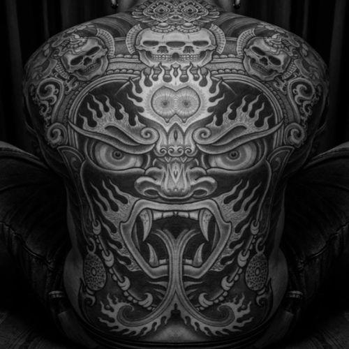 A back-piece featuring the fearsome god Mahakala by Jondix (IG—jondix). #blackandgrey #Jondix #Mahakala
