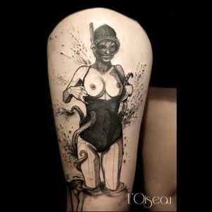 Contemporary tattoo by L'oiseau #Loiseau #contemporary #graphic #sketch #monochromatic #monochrome #swimmer