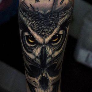 Owl and skull via instagram secretflesh_tattoo #owl #skull #clock #blackandgrey #realism #andreystepanov