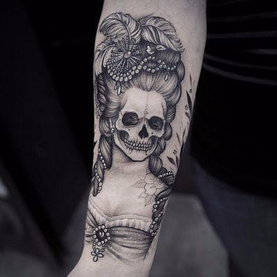 An accurate depiction of Marie Antoinette rn by Lazer Liz #LazerLiz #blackwork #blackandgrey #neotraditional #illustrative #skull #portrait #marieantoinette #jewelry #pearls #death #lady #tattoooftheday