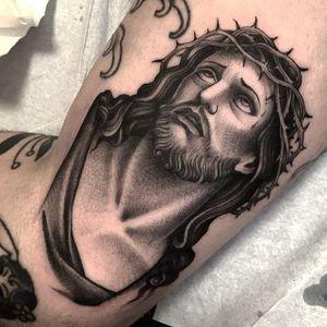 Black and Grey Jesus Tattoo by Gianluca Fusco #blackandgrey #Jesus #BlackandGreyJesus #Religious #Christ #GianlucaFusco