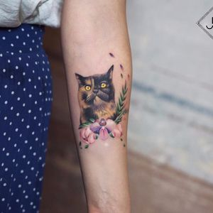 Cutie Kitty by Jefree Naderali #JefreeNaderali #color #watercolor #realism #realistic #cat #kitty #petportrait #flowers #orchid #leaves #nature #fur #tattoooftheday