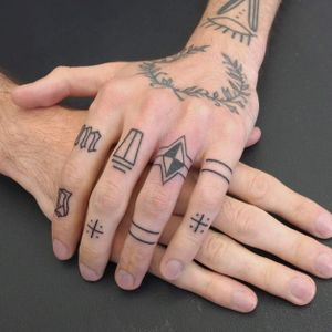 Finger tattoos by Indy Voet. #IndyVoet #line #ring #minimalist #simple #handpoke #microtattoo