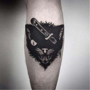 Black cat tattoo by Matteo Al Denti #MatteoAlDenti #blackwork #cat #blackcat #knife