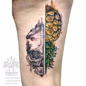 #MayaraCompulsiva #tatuadorasdobrasil #caveira #skull #abacaxi #pineapple #aquarela #watercolor