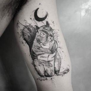 Squirrel Tattoo by Bernardo Lacerda #squirrell #squirrelltattoo #blackwork #blackworktattoo #blackink #blacktattoos #blackworkers #blackworkartist #BernardoLacerda
