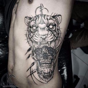 #KreynerLaScala #brasil #brazil #brazilianartist #tatuadoresdobrasil #balckwork #pontilhismo #dotwork #tigre #tiger #caveira #cranio #skull
