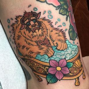 The Beast getting all cleaned up by Alex Strangler (IG—alexstrangler). #AlexStrangler #BeautyandtheBeast #Disney #traditional