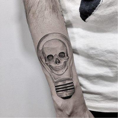 Skull lightbulb tattoo by Marla Moon #MarlaMoon #skulltattoos #linework #illustrative #blackandgrey #skull #skeleton #bones #lightbulb #light #electricity #idea #death #tattoooftheday