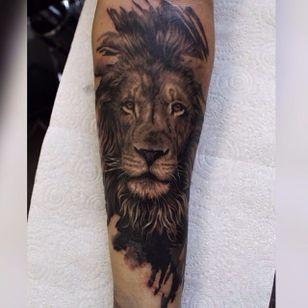 A noble black and grey lion by Ash Higham (IG—ashhighamtattoos). #animals #AshHigham #blackandgrey #lion #realism