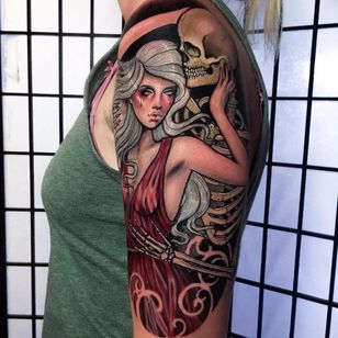 Com o crush #HannahFlowers #gringa #neotrad #neotraditional #woman #mulher #lady #dama #skull #caveira #esqueleto #skeleton