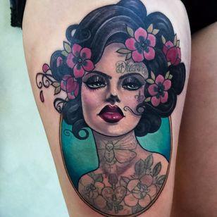 Sexy #HannahFlowers #gringa #neotrad #neotraditional #woman #mulher #lady #dama #inkedgirl #mulhertatuada #flor #flower