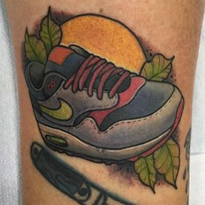 Nike Tattoo by Sergio Reyes #nike #niketattoo #nikeshoes #sneaker #sneakertattoo #sneakers #shoes #sports #sportattoos #SergioReyes