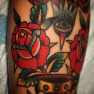 Rose Tattoo by Mario Desa #Rose #RoseTattoos #RedRose #TraditionalRose #OldSchoolRose #Roses #MarioDesa