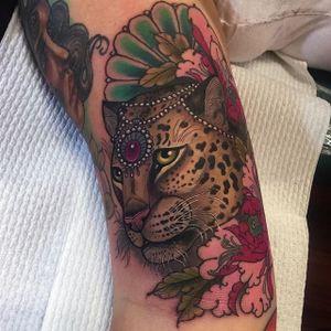 Leopard Tattoo by Hannah Flowers #leopard #leopardtattoo #neotraditional #neotraditionaltattoo #neotraditionaltattoos #neotraditionalartist #HannahFlowers