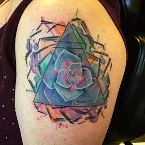 Succulent tattoo in abstract style, artist unknown (let us know if you recognize the tattoo) #succulent #plant #botany #abstract (Photo: Instagram)