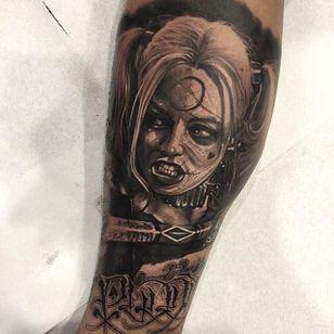 Harley Quinn by Anrijs Strum (via IG-anrijsstraume) #harleyquinn #realism #dark #portrait #blackandgrey #anrijsstraume