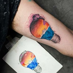 #MatheusAlves #brasil #brazil #brazilianartist #tatuadoresdobrasil #aquarela #watercolor #colorido #colorful #sketch #pontilhismo #dotwork #lamp #lampada #barquinhodepapel #paperboar #mar #ocean #sea