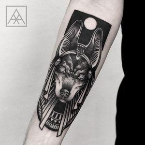 #MaxVorax #brasil #brazil #brazilianartist #tatuadoresdobrasil #blackwork #anubis #mitologia #mythology #god #deus #pontilhismo #dotwork #cao #dog #cachorro #egito #Egyptianmythology #mitologiaegipsia