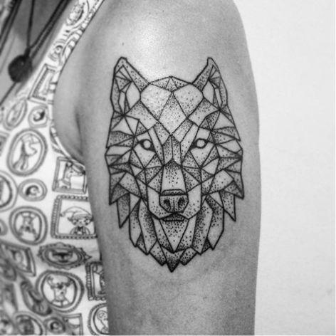 Lobo #DiegoCurcio #brazilianartist #tatuadoresdobrasil #brasil #brazil #pontilhismo #geometric #geometrica #lobo #wolf #animal #dotwork