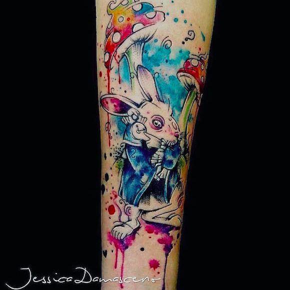 Coelho Branco da @jessicadamasceno.art #JessicaDamasceno #WhiteRabbit #CoelhoBranco #Watercolor #Aquarela #AliceNoPaisDasMaravilhas #AliceInWonderland #TatuadoresBrasileiros #TatuadoresBrasil