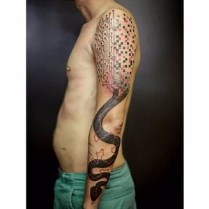 Tattoo por Taiom! #Taiom #Tatuadoresbrasileiros #TattooBrasil #TattooBr #TattoodoBr #conceitual #concept #conceptual #snake #cobra