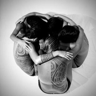 Tribal tattoos, Photo: Anapa Production #PatuMamatui #polynesiantattoo #tribaltattoo #tribal #polynesian