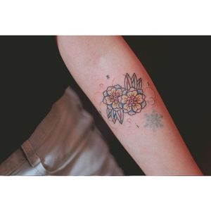 Flower tattoo by Seoeon. #Seoeon #southkorean #korea #korean #subtle #flower