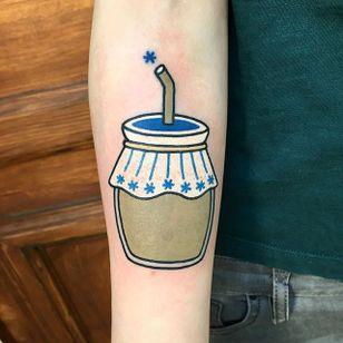 Sip by Sany Kim (via IG-kimsany) #cup #drink #beverage #illustrative #color #SanyKim