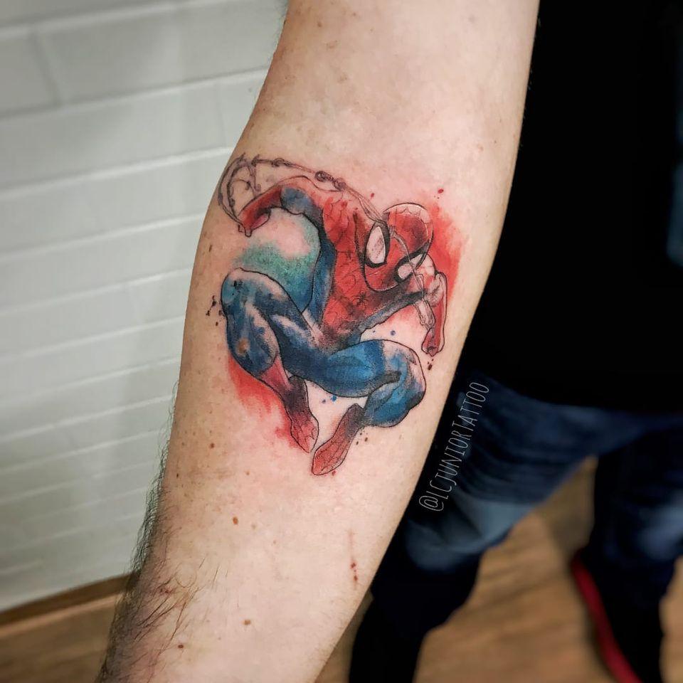 Homem-Aranha #LCJunior #brazilianartist #brasil #brazil #tatuadoresdobrasil #aquarela #watercolor #spiderman #homemaranha #superhero #superheroi #comic #marvel #nerd #geek #hq #movie #filme