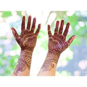 Henna tattoo by Henna Lounge. #HennaLounge #henna #mehndi #temporary #hennaart