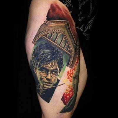 Harry Potter tattoo by Nikko Hurtado #NikkoHurtado #movietattoos #color #realism #realistic #hyperrealism #HarryPotter #portrait #DanielRadcliffe #wizard #magicwand #window #LordVoldemort #magic #tattoooftheday