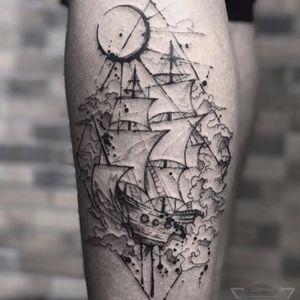 Riqueza nos detalhes #TyagoCompiani #tatuadoresbrasileiros #tatuadoresdobrasil #sketch #blackwork #ship #navio