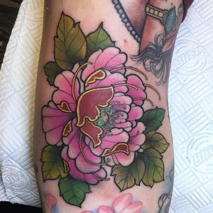 Tattoo by Guen Douglas #GuenDouglas #neotraditional #color #Japanese #peony #mashup #flower #floral #leaves #nature