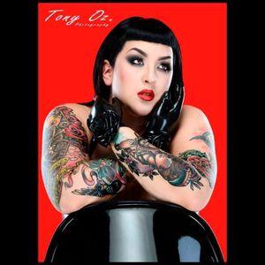 Her tattoos are really poppin in this shot Photo by Tony Oz #KeroseneDeluxe #plusmodel #tattooedlady #model #fetish #pinup #tattoomodel #TonyOz