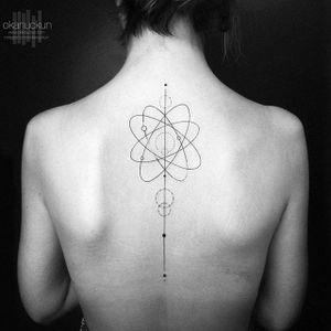 Spine tattoo by Okan Uckun. #OkanUckun #spine #spineline #back #backbone #line #seam #science #atom
