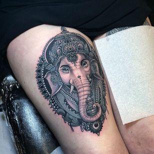 A very bold Ganesha by Flo Nuttall (IG—flonuttall). #blackandgrey #FloNuttall #Ganesh #ornate