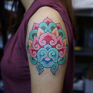 Bem colorido #PittaKKM #gringo #oriental #colorido #colorful #mandala