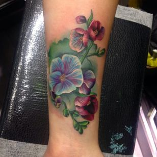 Watercolour tattoo by Amy Autumn #AmyAutumn #flower #watercolour #realism #colour