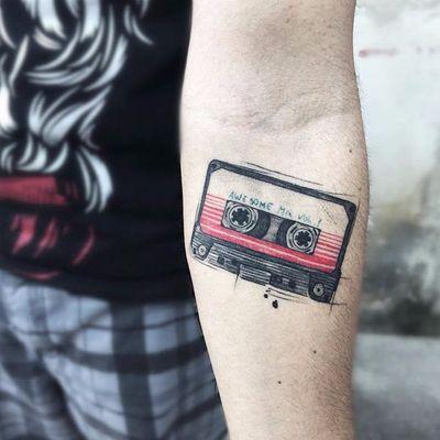 Awesome mix! A melhor playlist do cinema!!! #FelipeMello #GuardioesDaGalaxia #guardiansofthegalaxy #marvel #movie #filme #disney #comic #hq #superhero #superherois #tape #awesomemix #fitak7 #musica #music #retro